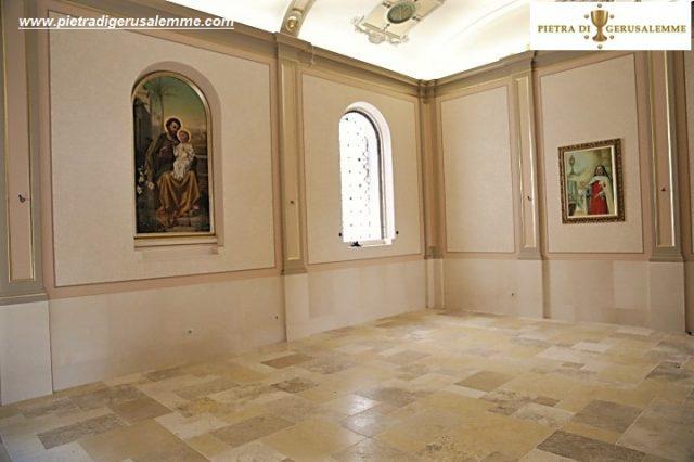 Pavimento in marmo Pietra di Gerusalemme chiesa
