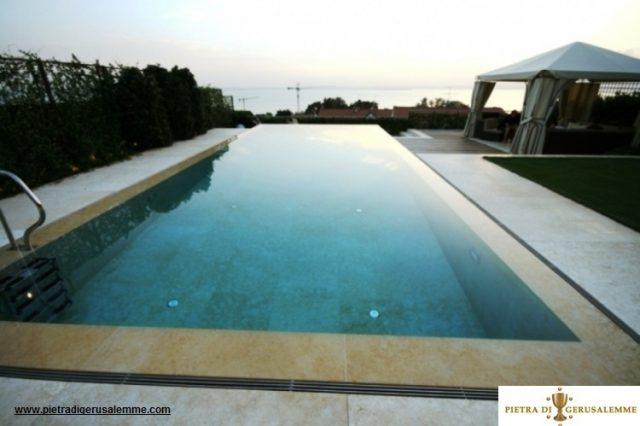 Pietra ideale per piscine