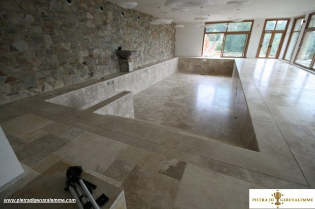 Vasca piscina in pietra