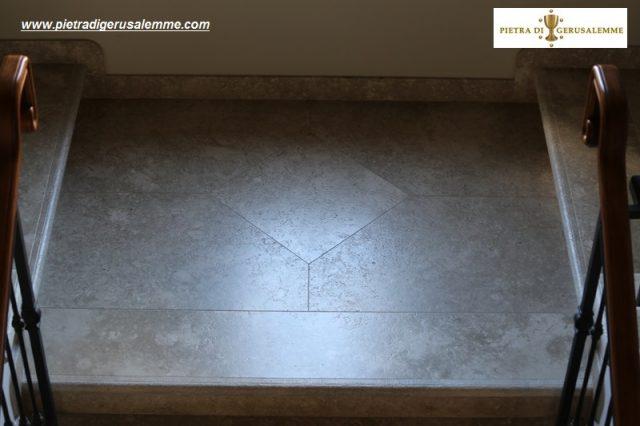 Scale pianerottolo in pietra di Gerusalemme Grey