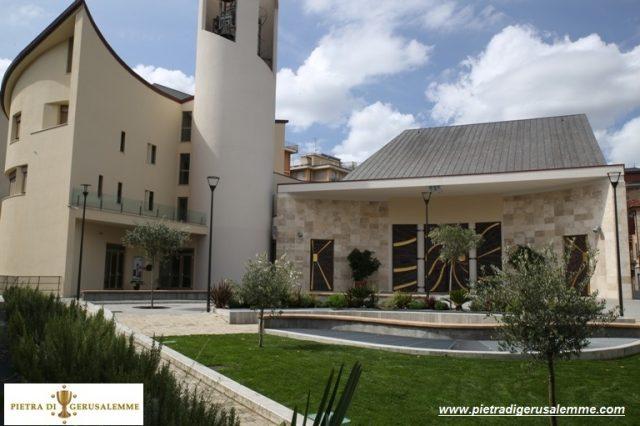 Rivestimento facciata in Pietra di Gerusalemme Grey Gold Chiesa S.Anna Rapallo