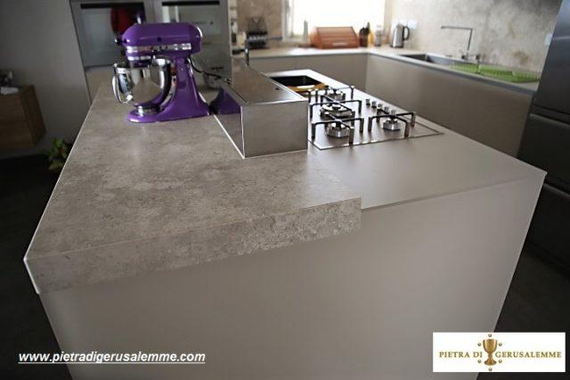 Piano cucina in Pietra di Gerusalemme Grey