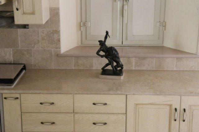 Resistant stone for kitchen worktop