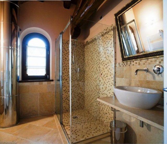 Jerusalem stone bath
