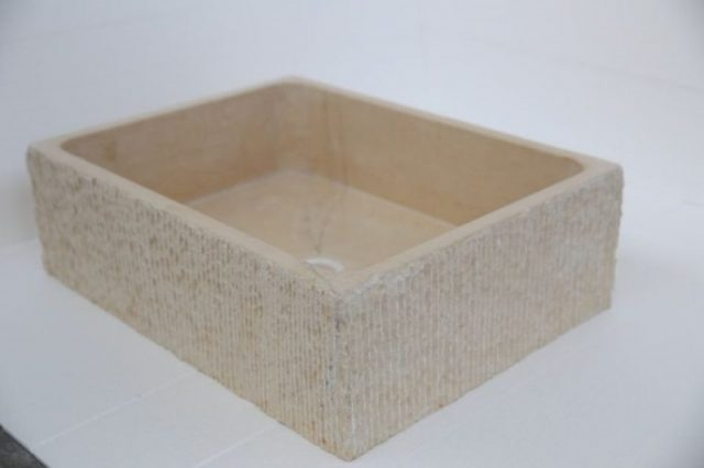 Каменные кухонные мойки