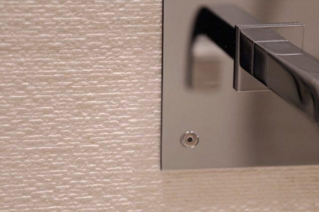 Камень - идеальный материал для ванных комнат.
