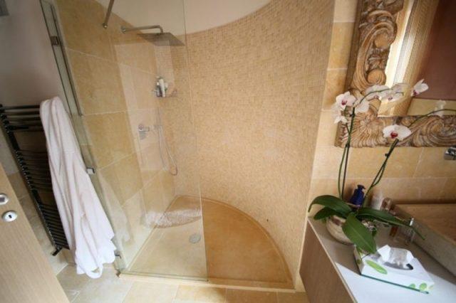 Jerusalem marble shower tray