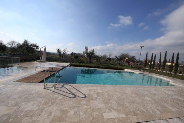 Pool coverings in stone