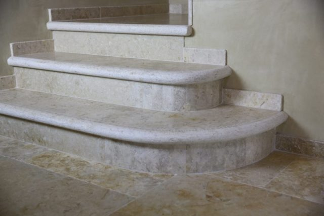 Jerusalem stone antiqued staircase