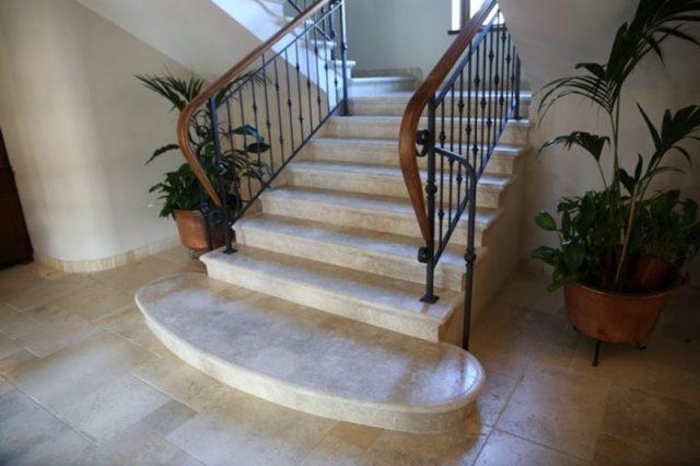 Роскошные бронированные лестницы