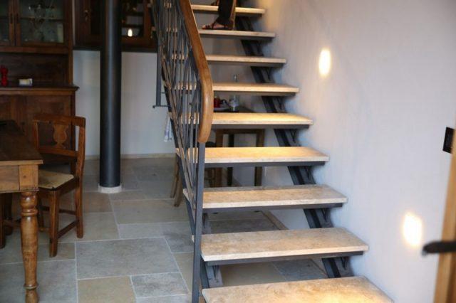 Минимальная каменная лестница