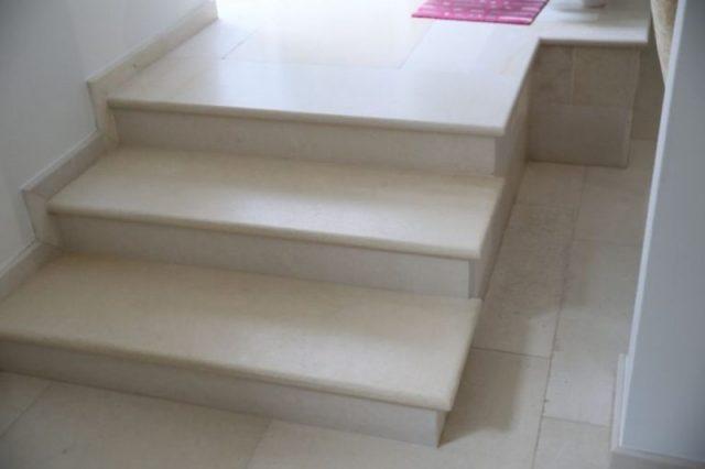Лестница к историческим зданиям