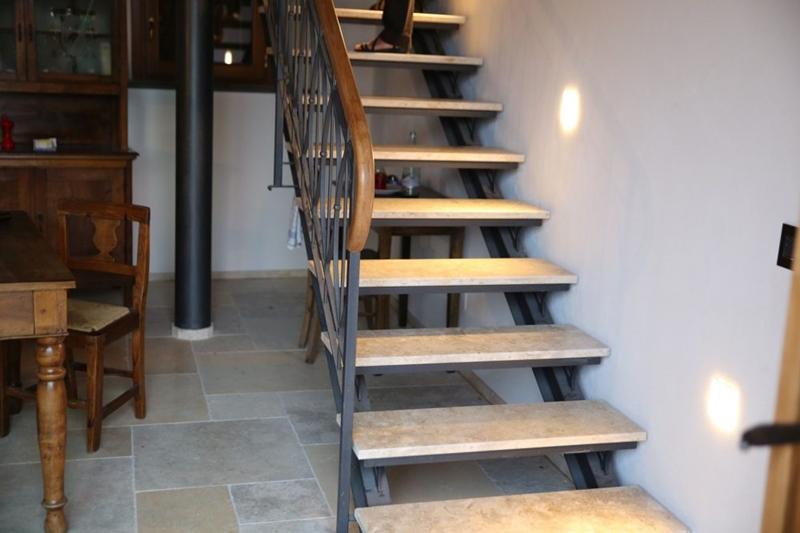 Marble steps design